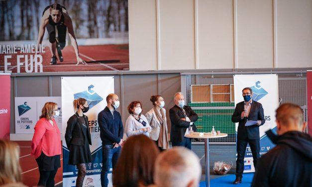 CREPS de Poitiers: une nouvelle piste pour la halle d'athlétisme!